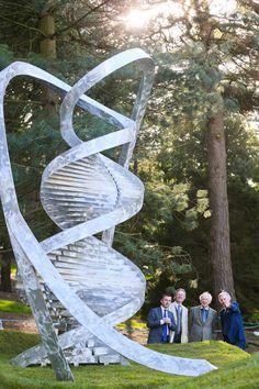 WATSON DNA SCULPTURE BOTANIC GARDENS MIN HAYES MX-4