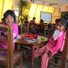 The schoolrooms in the Bolivian Altiplano inspire anything but learning. Bolivia's simple solution has recreated the school experience for children: eco friendly greenhouse classrooms let in light, warmth, and energy that transform the school buildings!