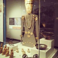 Attended the #Greek exhibit #TheFieldMuseum during our weekend in #Chicago! Read about the rest of our adventure here! http://sociallyco.blogspot.ca/2016/04/chicago-is-my-favorite-city-in-world.html   #travelingfamily #mychicagopix #familyjaunts #ancientgreece