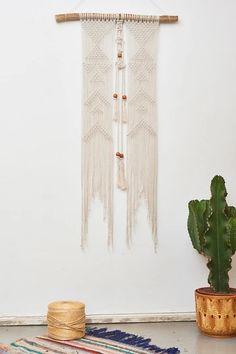 Makramee Wandbehänge  California Dreaming – California Dreaming Macrame Tapestry Design, Wall Tapestry, Modern Home Interior Design, Large Macrame Wall Hanging, Tribal Patterns, Geometric Wall, Wooden Beads, Diamond Shapes, Plant Hanger