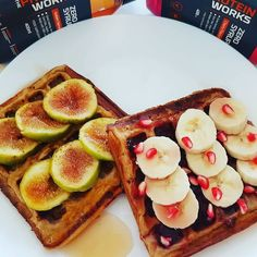 Today's snack  cookies & cream waffles pomegranate  banana  calorie free syrups figs  #saudavel #fit #waffles #mychoices #minhasreceitas #minhasescolhas #myrecipe #inventing #determinada #foco #wafflerecipe #myprotein #theproteinworks #mywheypt #cherry #goldensyrup #wafflessaudaveis #mwfitness #fitfam #girlswholift ( # @my_fit_attempt)