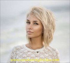 Short Blonde Hair-not sure of it's the haircut I'm in love with, or the idea that I want to look like this! Layered Bob Hairstyles, Hairstyles Haircuts, Blonde Hairstyles, Choppy Bob Hairstyles Messy Lob, Haircut Short, Hairstyles Videos, Simple Hairstyles, Boho Hairstyles, Formal Hairstyles