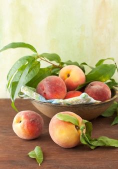 Peaches by Melangery Fruit And Veg, Fresh Fruit, Fruits And Vegetables, Fruit Photography, Still Life Photography, Stone Fruit, Still Life Photos, Still Life Art, Healthy Fruits
