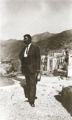 """Σφακιά 1913. Ο γιατρός της Χώρας  με τα ´φράγκικα´ Hubert Pernot """"Εξερευνώντας την Ελλάδα. Φωτογραφίες 1898-1913"""" Abraham Lincoln, Memories, Fictional Characters, Art, Souvenirs, Kunst, Remember This, Fantasy Characters, Art Education"""