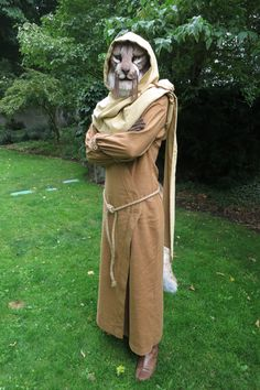 Skyrim Cosplay - M'aiq the Liar cosplay. So cool! I would love to do this!