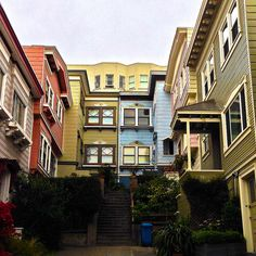 hidden(?) alley of San Francisco Phoenix Street Nob Hill