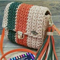 Diy Crochet Bag, Crochet Bag Tutorials, Crochet Backpack, Crochet Purse Patterns, Crochet Crafts, Crochet Projects, Crochet Handbags, Crochet Purses, Crochet Clutch Bags