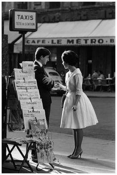Le look BB - Le rendez-vous - Paris, 1959. Publié dans Life. Photo Pierre Boulat