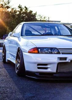 Nissan Skyline GTR R32...now that is stance