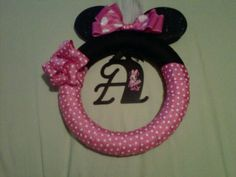 Mini Mouse wreath