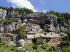 Une maison troglodyte dans le Périgord