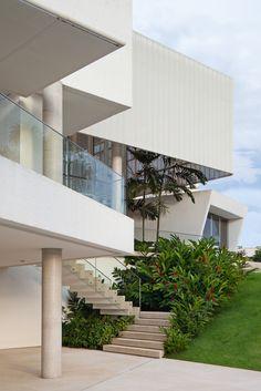 Gallery of Material Focus: House in Lago Sul Qi 25 by Sérgio Parada Arquitetos Associados - 8