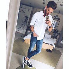 #OndeEncontrarMM: Tem POST NOVO hoje no Blog, hein TIME Pra quem curte usar Calça Jeans Skinny, separei um conteúdo exclusivo por lá com várias Dicas de Lojas Virtuais para Encontrar esse modelo. Passem AGORA que tem muita inspiração também machomoda.com.br