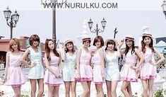 Kpop - Biodata Lengkap Girlband SNSD – Pasti udah pada tau kan dan kenal sama girlband asal korea selatan yang satu ini. Yap, dia adalah girlbang SNSD atau yang bisa dipanggil jugaSo Nyeo Shi Dae atau Girls Generation (nama Koreanya). Oh iya, buat kalian yang nanya apa kepanjangan dari SNSD ini ...