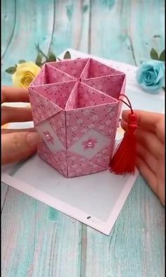 Diy Crafts Hacks, Diy Crafts For Gifts, Diy Arts And Crafts, Diy Projects, Paper Flowers Craft, Paper Crafts Origami, Paper Crafts For Kids, Instruções Origami, Oragami