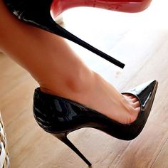 Black Patent Pointed Toe Pumps. Stiletto High Heels. Christian Louboutin. Tacchi Close-Up #Shoes #Tacones #Heels