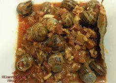 Plato típico de Cantabria en los meses de Noviembre y Diciembre. En Noviembre la localidad de Castro Urdiales celebra la festividad de San Andrés y en ese día comer caracoles es toda una tradicción.