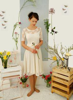 """Brautkleid  """"Gänseblümchen"""" - Spitze von Ave evA auf DaWanda.com"""