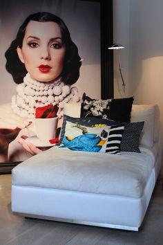 My exclusive interview with Dutch luxury interior designer Monique des Bouvrie… Luxury Interior, Modern Interior, Home Interior Design, Exterior Design, Portrait Wall, Photo Displays, Interior Inspiration, Ideal Home, House Design