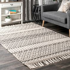 nuLOOM Cisneros Modern Solid Textured Wool/Cotton Blend Handmade Area Rug with Tassels x Ivory Supreme, Rectangular Rugs, Rugs Usa, Round Rugs, Carpet Design, My Living Room, Online Home Decor Stores, Colorful Rugs, Rug Size