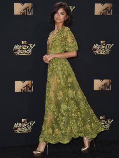Ó, Zendaya megint tökéletes volt, gyönyörű ruhában az MTV gálán