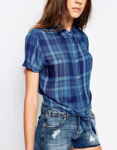 Image 3 of Pull&Bear Short Sleeves Checked Shirt With Front Knot
