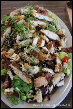 Cesar - Salat mit Paprika alla Jamie Oliver 15 Minuten. Ein Rezept dazu zwar nicht in 15 Minuten zu schaffen ist. Aber ca. 25 Min. braucht man schön eher ;)