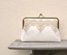 Gold Brauttasche, Elfenbein spitze clutch von Constance Handcrafted auf DaWanda.com