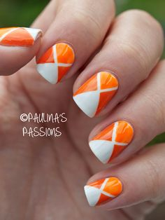 31DC2013 Day 02: Geometric Orange Nails - Paulina's Passions