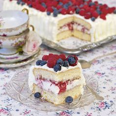 Cream cake in the roasting pan Bagan, No Bake Desserts, Dessert Recipes, Sandwich Cake, Swedish Recipes, Healthy Baking, Party Cakes, Let Them Eat Cake, Wine Recipes