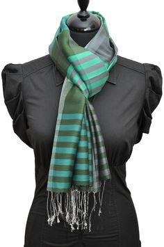 Echarpe à rayures verte en soie