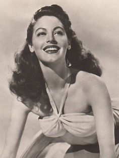 Hollywood Icons, Hollywood Actor, Hollywood Glamour, Classic Hollywood, Old Hollywood, Ava Gardner, Actrices Hollywood, Rita Hayworth, Classic Beauty