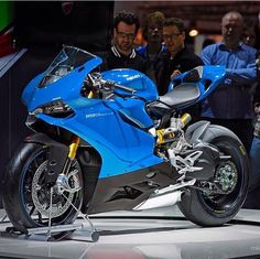 Ducati 1199, cool colour