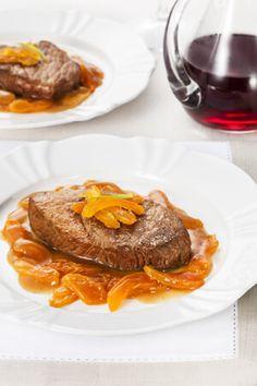 Maminha com confit de cenoura e damasco por Academia da carne Friboi Barbacoa, Beef, Cooking, Academia, Breakfast, Master Chef, Foods, Food Heaven, Brazil