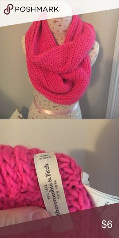 Abercrombie Pink Knit Scarf Never worn! Great Condition. Price Negotiable. Infinity Scarf Abercrombie & Fitch Accessories Scarves & Wraps