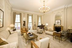 Living room at 11 Gramercy Park in Manhattan #livingroom #homedecor #NYC #dreamhome #luxuryhome #luxury #Manhattan