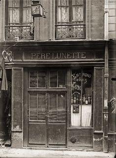 rue des Anglais, Paris Ve. Circa Date : circa… Old Paris, Vintage Paris, Vintage Shops, Paris Rue, Cabaret, Paris France, Storefront Signs, French History, Shop Fronts