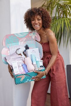 FabFitFun Box Subscription - Sleeping with Jewelry All Fashion, Fashion Outfits, Fashion Tips, Fashion Trends, Photography Women, Fashion Photography, Fab Fit Fun Box, Online Shopping Websites, Fashion Seasons