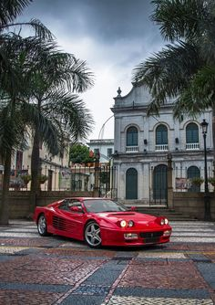 The Ferrari California was unveiled at the 2008 Paris Motor Show. The car went into production in 2008 and is still being produced by Ferrari. The car is available as a 2 door grand tourer coupe and as a hard top convertible. Maserati, Bugatti, Ferrari F40, Ferrari Daytona, Lamborghini Aventador, Ferrari 2017, Sexy Cars, Hot Cars, Dream Garage