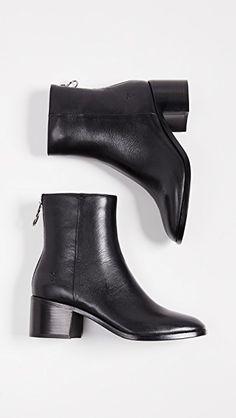 2f82411a2788f5 frye emilia short black ankle boots Chaussure Sneakers, Chaussure Botte,  Chaussure Basket, Chaussures