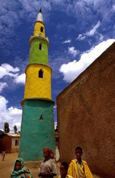"""Harar, Ethiopia is sometimes known in Arabic as """"the City of Saints"""" and is """"considered 'the fourth holy city of Islam"""" with 82 mosques, three of which date from the century, and 102 shrines. Art Et Architecture, Islamic Architecture, Vernacular Architecture, Les Seychelles, Cap Vert, Addis Ababa, Beautiful Mosques, Out Of Africa, East Africa"""