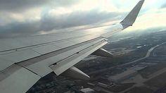 Transavia vliegtuig opstijgen vanuit amsterdam schiphol naar innsbruckbo...