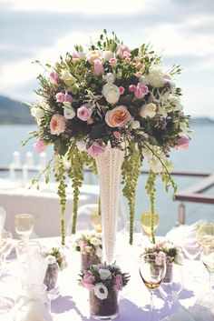 blush pink wedding decoration and flower arrangement with david austin roses by www.StyleConcept.gr διακοσμηση-γαμου-david-austin-τριαντάφυλλα