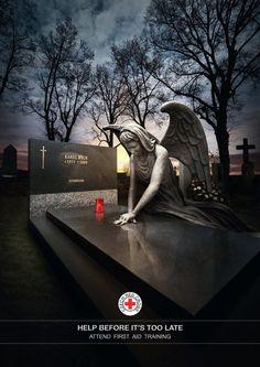 Anuncio de la Cruz Roja Checa... Ayuda antes de que sea demasiado tarde, toma un curso de primeros auxilios