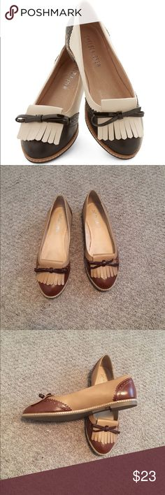 Brown Modcloth flats Brown Modcloth Chelsea Crew Literature Tour leather lined oxford flats. Size 9 but fit more like an 8. Gently worn a few times, practically new. Perfect for fall! Sold out on website! ModCloth Shoes Flats & Loafers