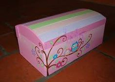 Imagem relacionada Diy Art, Toy Chest, Storage Chest, Mosaic, Toys, Holiday, Crafts, Furniture, Home Decor