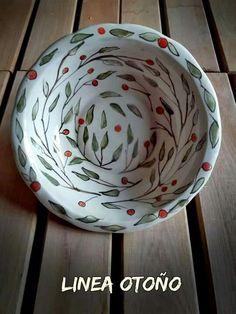 Fuente de cerámica ilustrada a mano y pintada con pigmentos bajo cubierta diámetro 26,5x6cm de alto Vajilla apta para horno y microondas ❤Casas con Arte❤