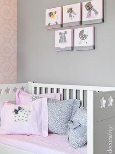 Muebles Babyroom http://www.mamidecora.com/habitaciones%20infantiles_rosas%20y%20grises.html