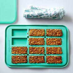 No-Bake Granola Bars Snack Bar Maker Pampered Chef No Bake Granola Bars, Chewy Granola Bars, Homemade Granola Bars, No Bake Bars, Appetizer Recipes, Snack Recipes, Bar Recipes, Epicure Recipes, Appetizers