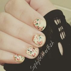 Vintage nail art  Sur ongles courts
